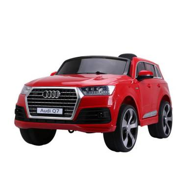 Электромобиль р/у Audi Q7 (на аккум., свет, звук), красный Shenzhen Toys