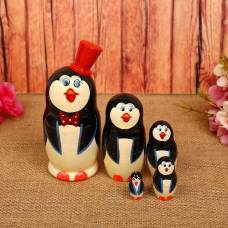 Матрёшка-животное Пингвин в красной шапке 5 мест   MZ5-01 Уланик
