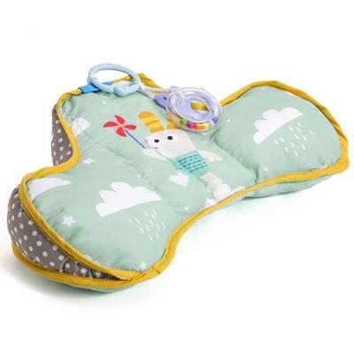 Анатомическая подушка с погремушкой и прорезывателем Taf Toys